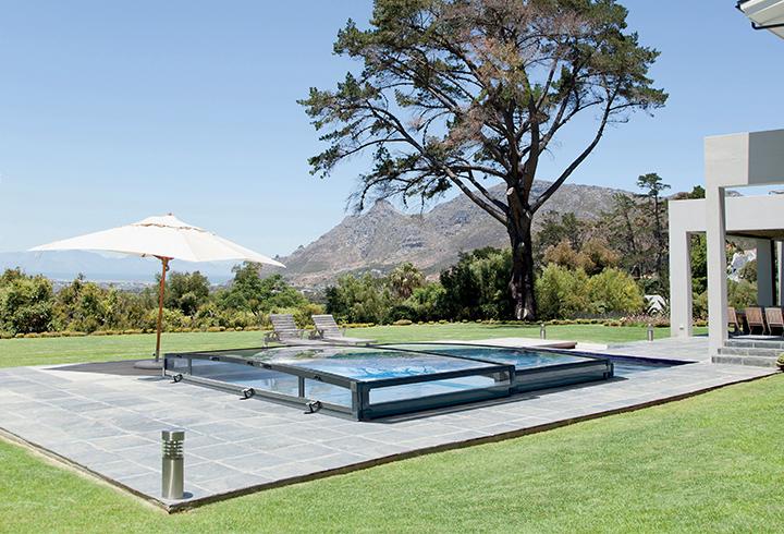 Abris de piscine piscines 68 h singue et spa for Abrisud suisse